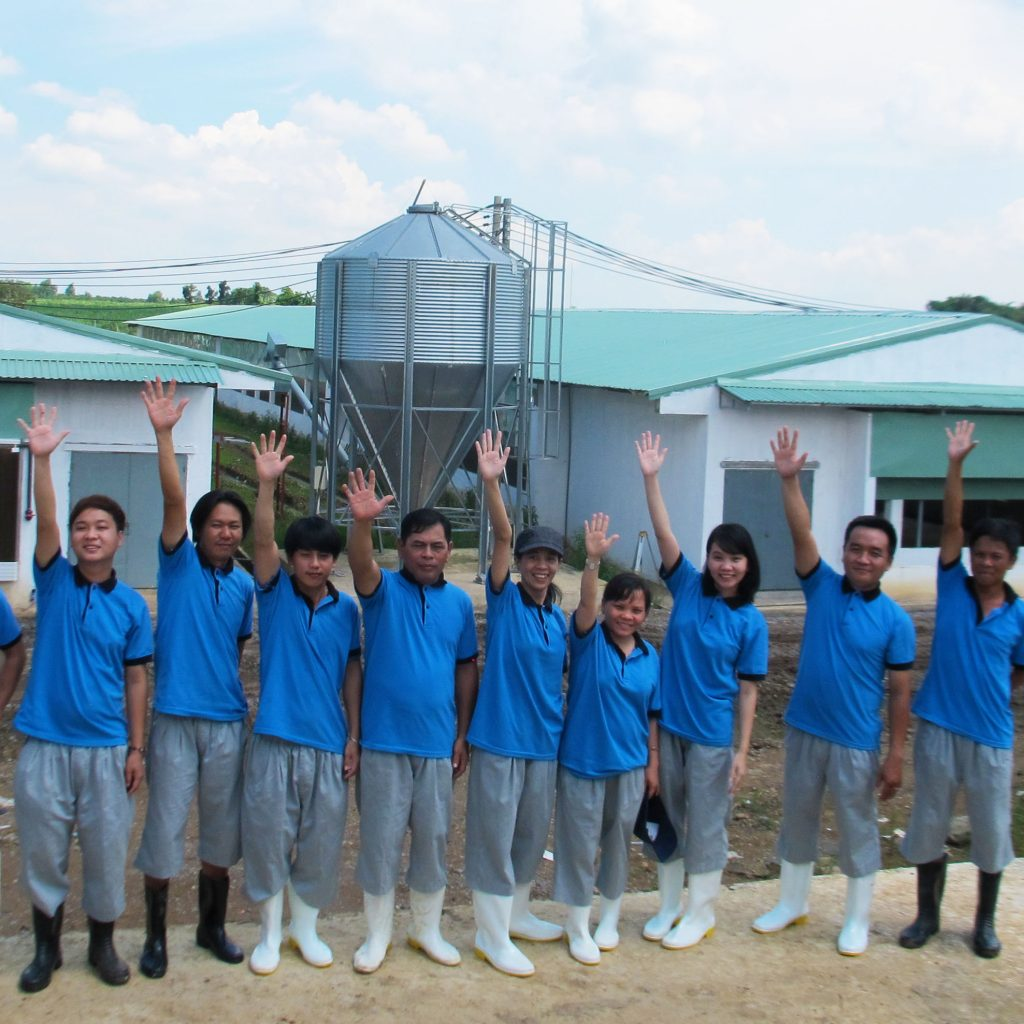 Opened the poultry experiment farm at Dong Nai province.